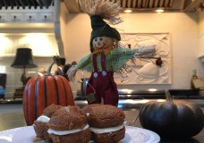 Pumpkin Whoopie Pies #recipe #sundaysupper