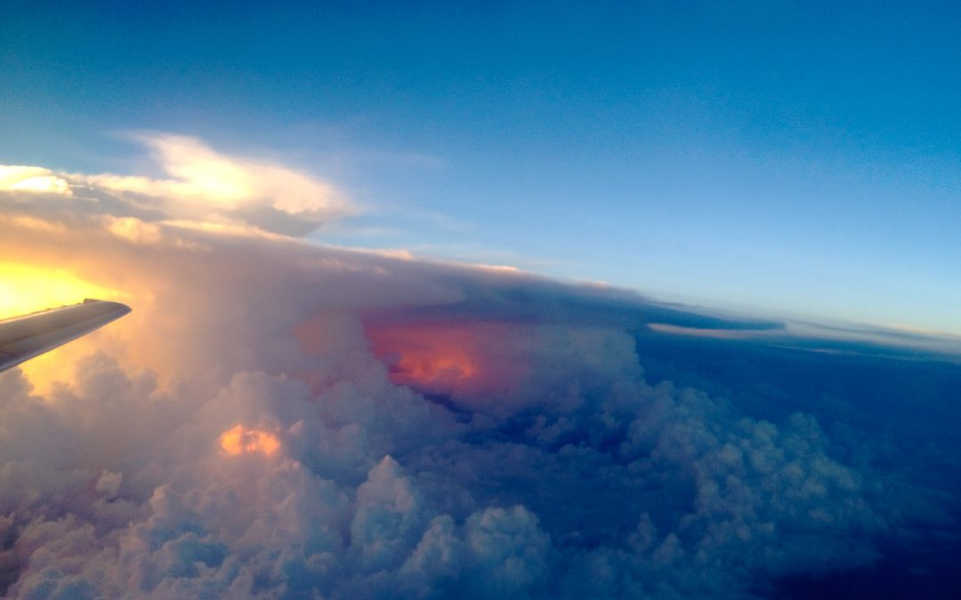 7 Tips for Taking Amazing Photos from the Window Seat with Your Smartphone